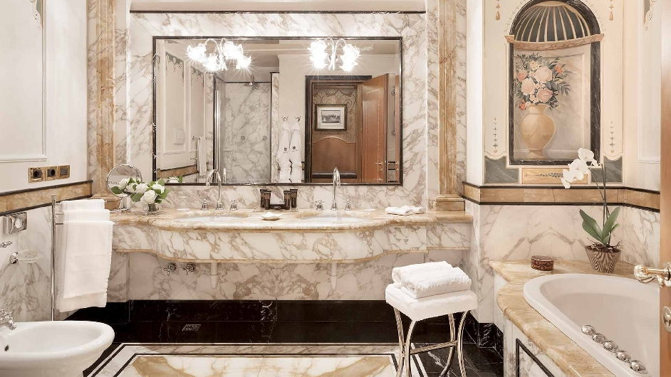 Top wellness hotel in mailand carlton hotel baglioni for 5 star bathroom designs