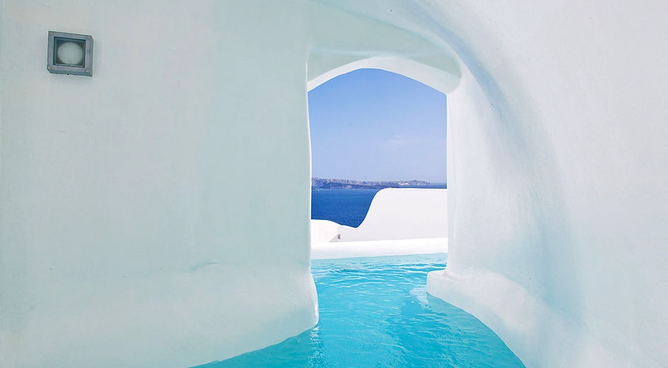 Amazing 5 star hotel in santorini with sea views canaves oia for Hotel a santorin