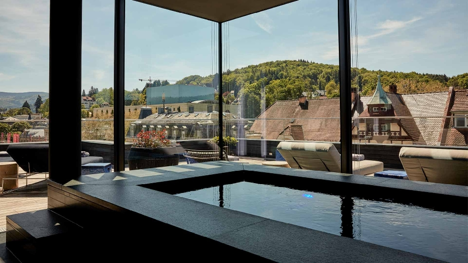 A luxury design hotel in germany roomers baden baden for Designhotels in deutschland