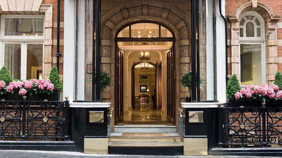 Exclusive luxury boutique hotel in central london near st for Small boutique hotels london