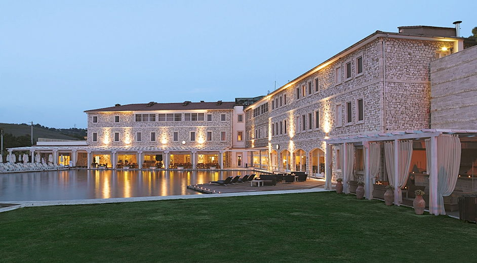 Five Star Hotel In Tuscany With Michelin Starred Cuisine And Golf