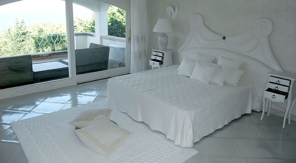 exklusive villa mit pool verpflegung auf sardinien mieten. Black Bedroom Furniture Sets. Home Design Ideas