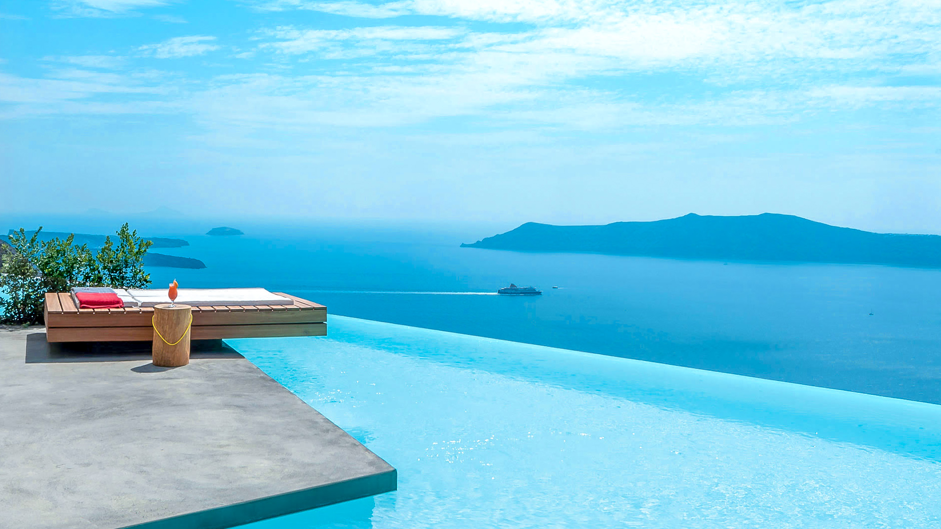 West East Suites Santorini S Most Divine Luxury Hotel