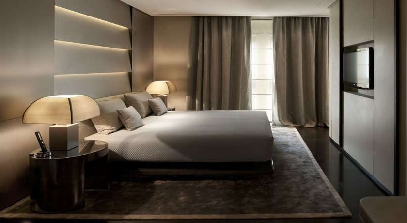 Luxury Hotel In Milan Fashion District Armani Hotel - Armani bedroom design